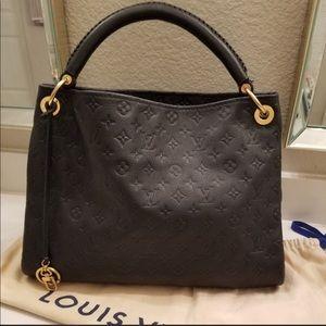 💯 Authentic Louis Vuitton Artsy MM